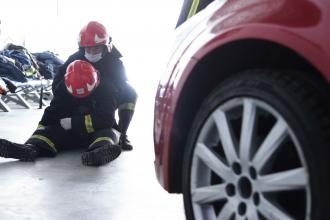 Practical lessons during bad weather: rescuers-to-be practice skills in Rescue Training Center