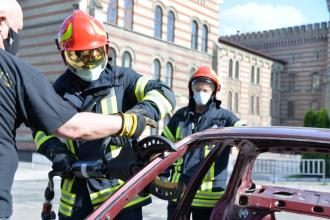 Safe and proper usage of pneumatic and hydraulic emergency rescue equipment classes in LSULS
