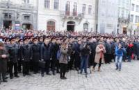 Cadets and students of Lviv State University of Life Safety sang the National Anthem of Ukraine at the Rynok Square